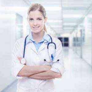 Как стать зарегистрированной медсестрой онлайн после старшей школы Полное руководство