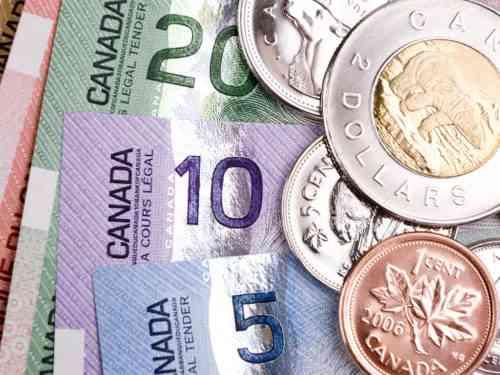 Начало обмена валюты в Канаде